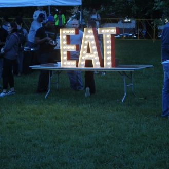EAT lightbulb sign